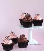 Suklaa-vadelma cupcakes