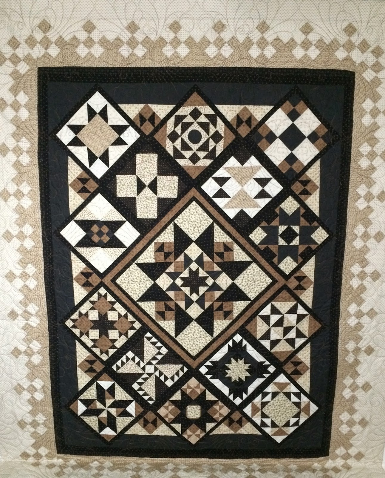 Sue Lindsay's Large Traditional Medallion Quilt
