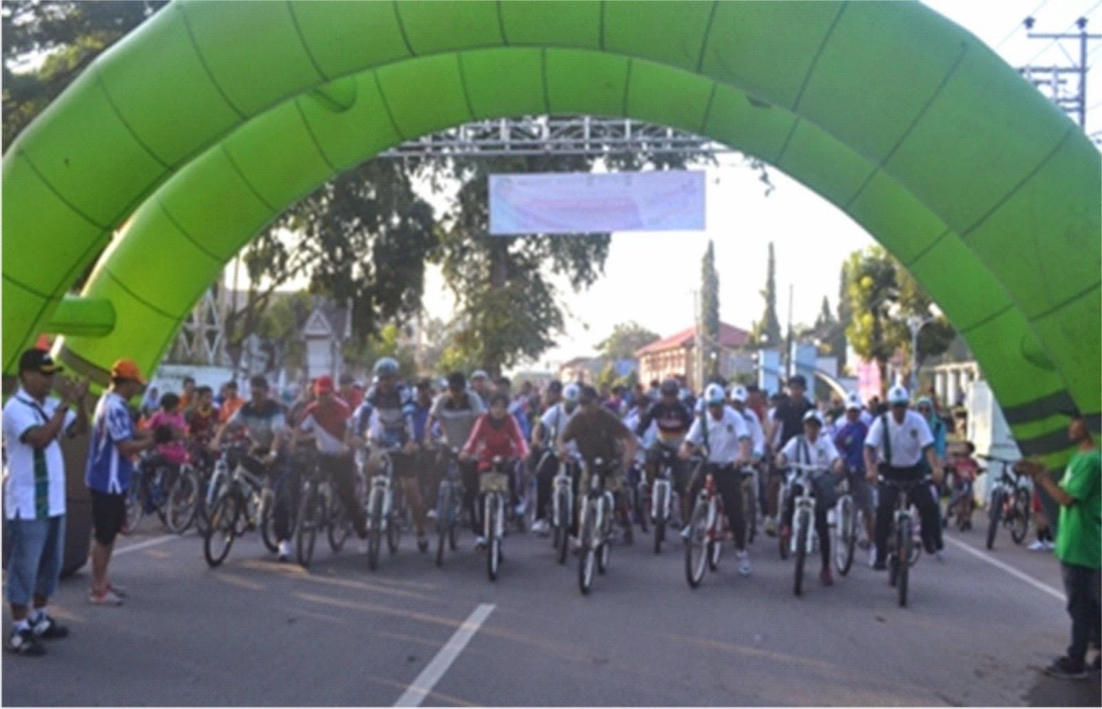 Peserta Sepeda Santai Penuhi Ruas Jalan Protokol di Kota Bima