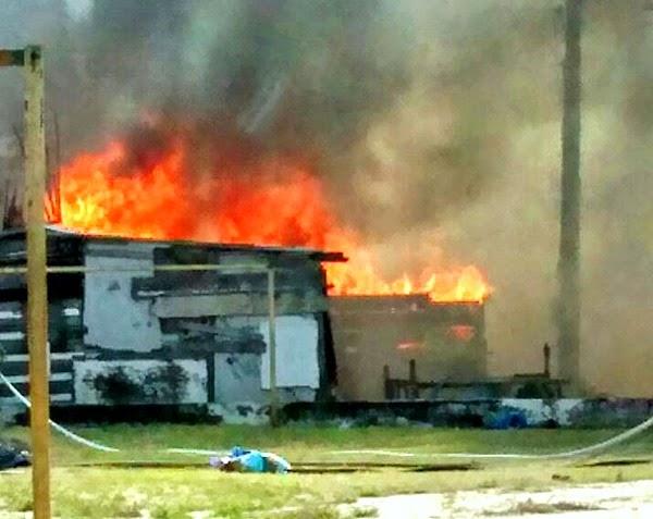 Incêndio destrói barraca de pescadores em São Pedro da Aldeia