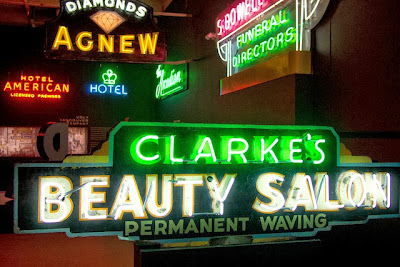 meauty-salon-led-sign