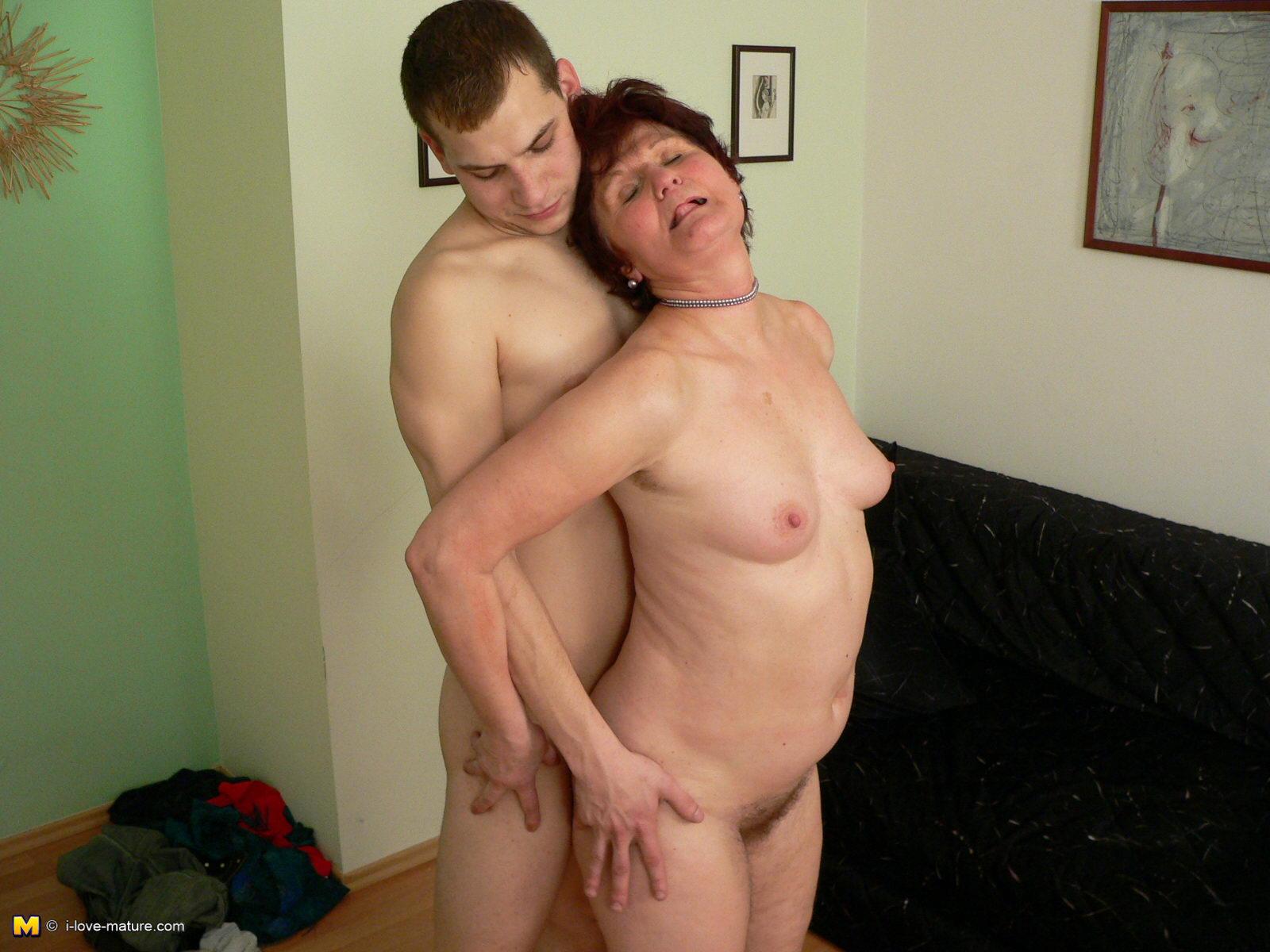moya-lyubimaya-babushka-porno