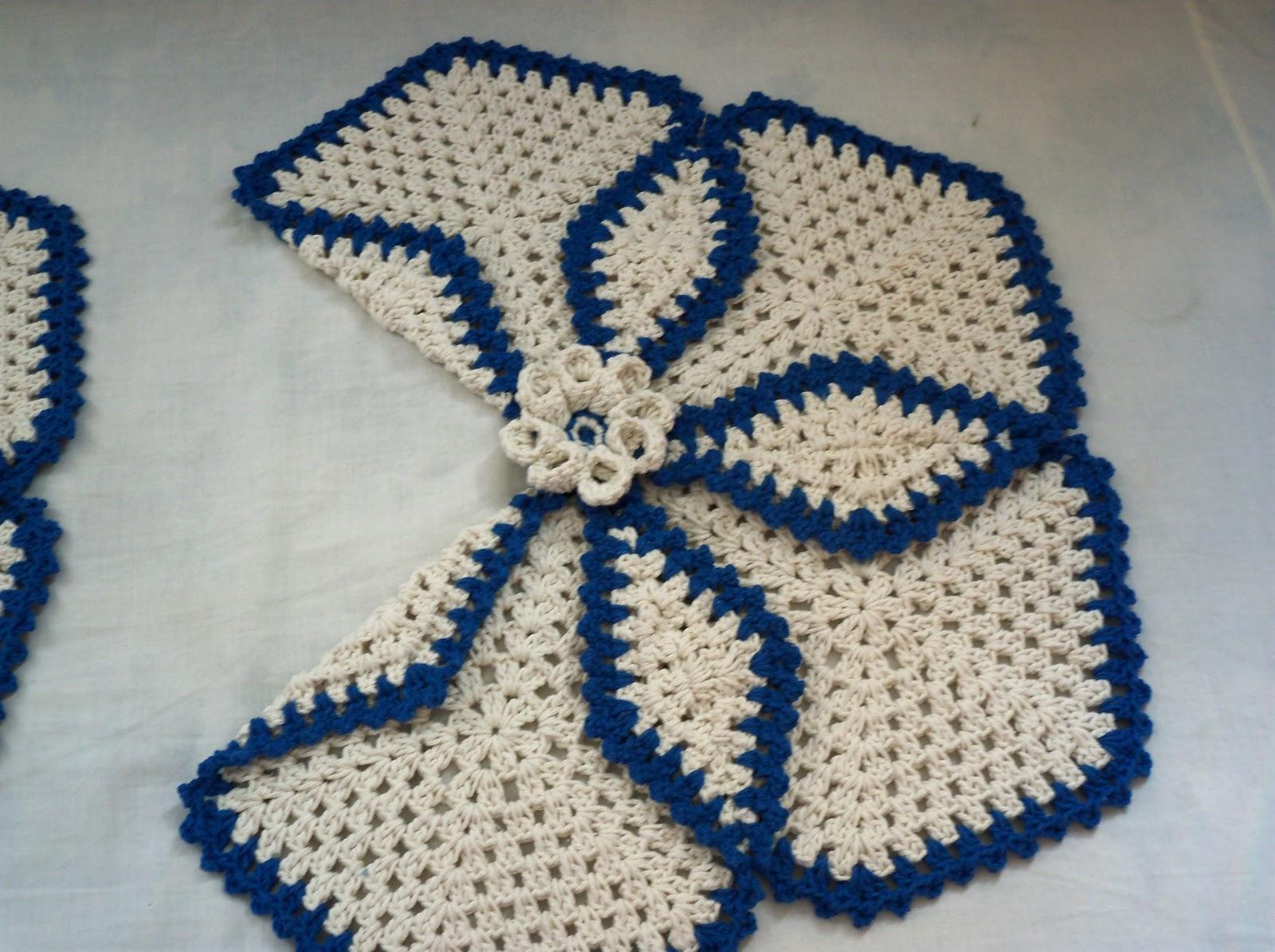 Edi artesanatos: Jogo de Banheiro em crochê azul #10325E 1600x1195 Banheiro Com Vaso Azul