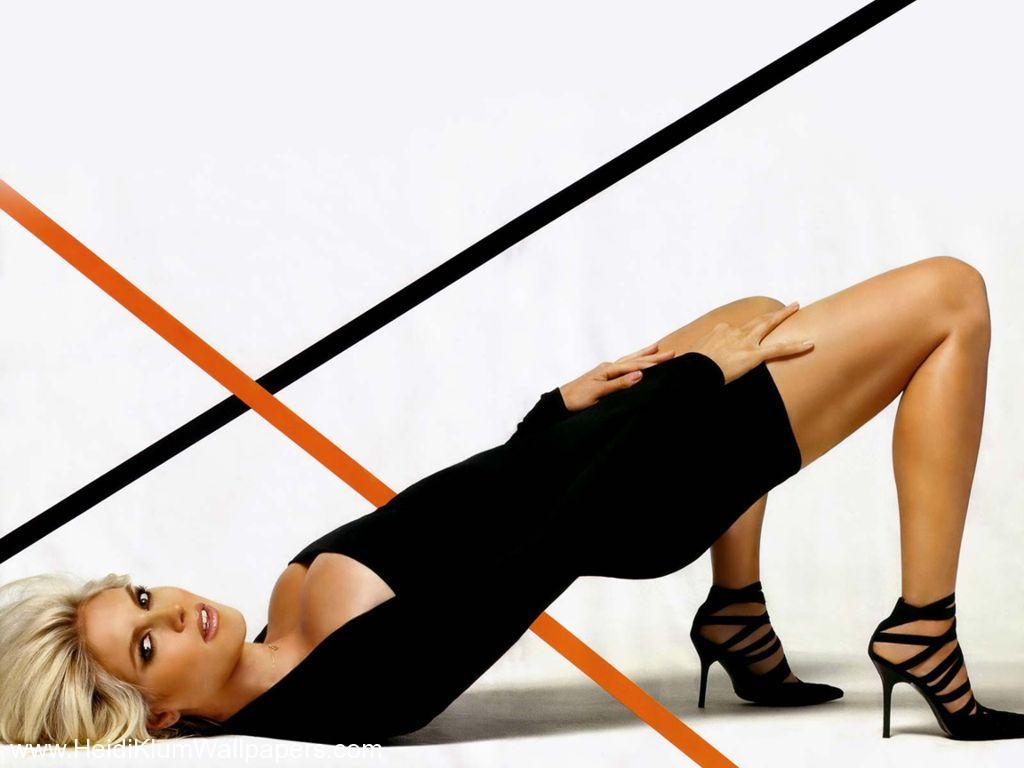 http://3.bp.blogspot.com/-4x0oSfar5bY/UO--BGLVMoI/AAAAAAAAXJU/pwDZmgKGio4/s1600/heidi-klum-sexy-pose-1.jpg