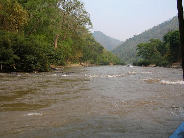 escursione in barca da chiang mai a chiang rai, thailandia, triangolo d'oro