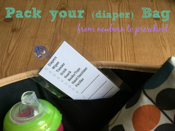 Printable checklists to make sure you don't forget anything in your diaper bag. Great idea to print it on business cards and put it in a luggage tag.