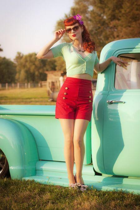 Ivana Gretel Macabre deviantart fotos modelo ruiva pin-up Com carros antigos