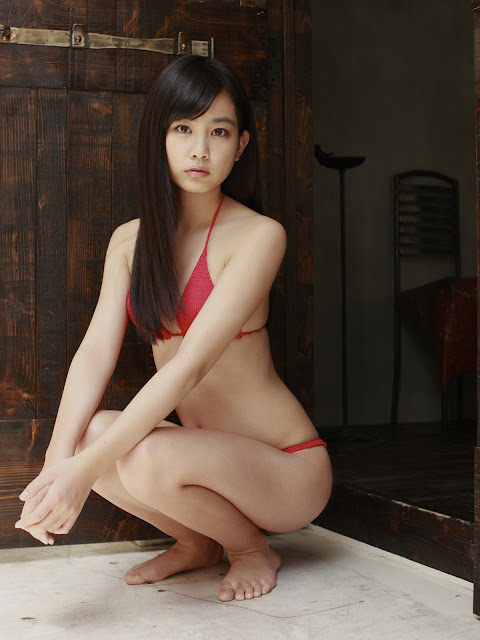 Japan Teen Girl - Yui Ito in Red Hot Bikini Pictures