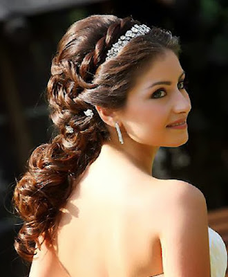 Awesome Bridesmaid Hairstyles
