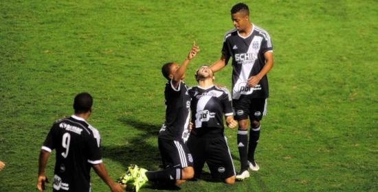 Felipe Azevedo marcou um belo gol pela Ponte Preta