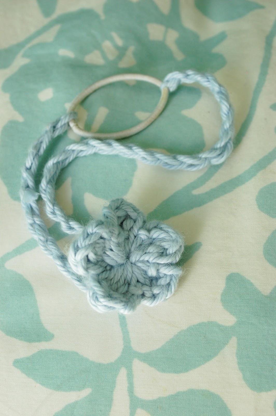 Free Crochet Stretchy Headband Pattern : Alli Crafts: Free Pattern: Baby Headband - Stretchy