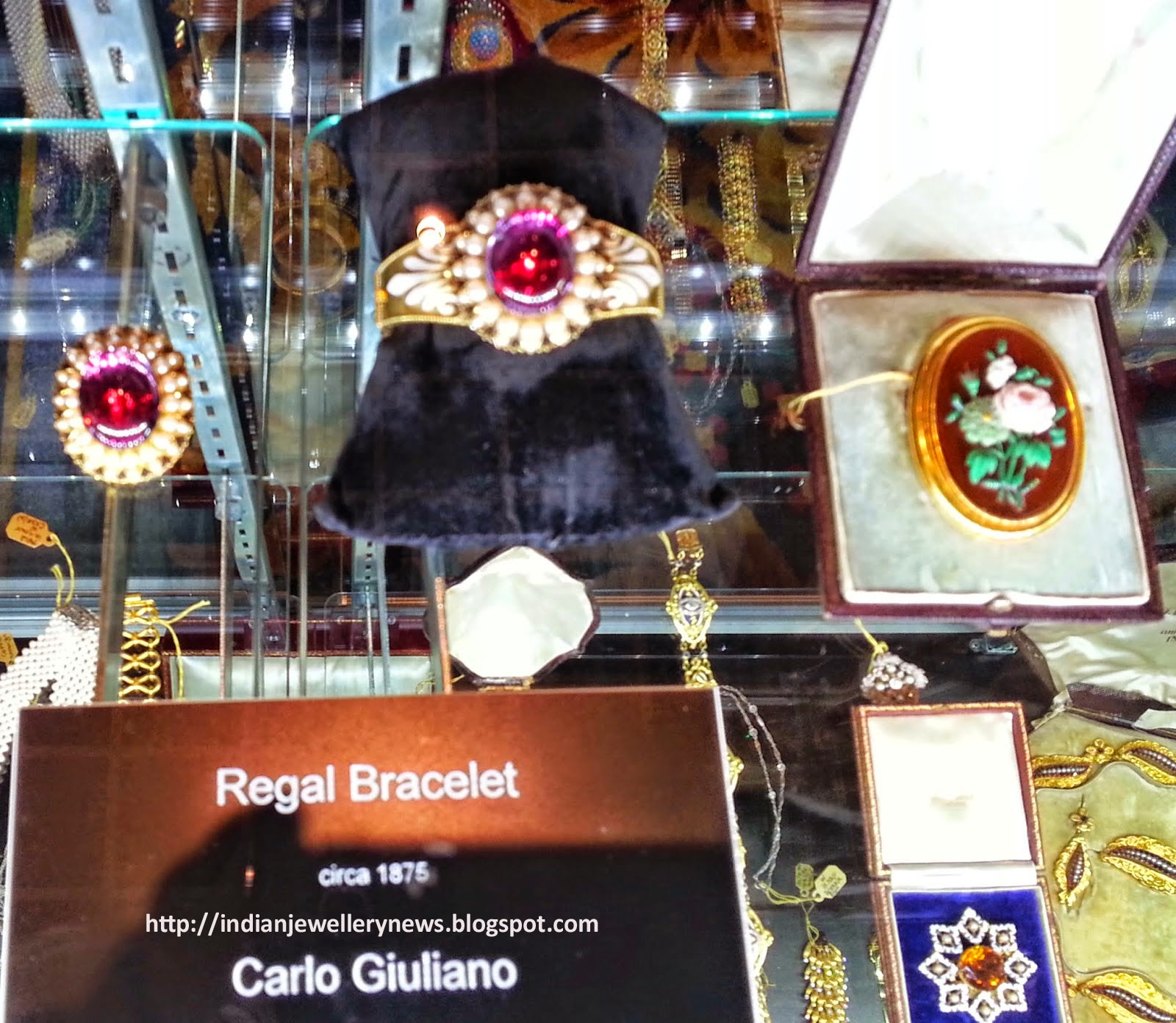Antique Jewelry and Watch Show at Las Vegas