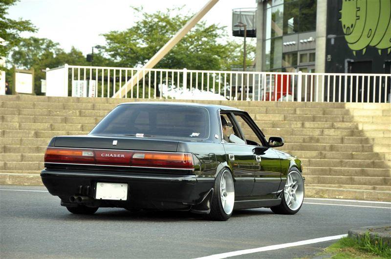 Toyota Chaser X80, japoński sportowy sedan, tylnonapędowy, napęd na tył, RWD, drifting, zdjęcia, tuning, lata 80
