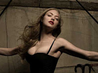 Amanda Seyfried sexy and hot in black
