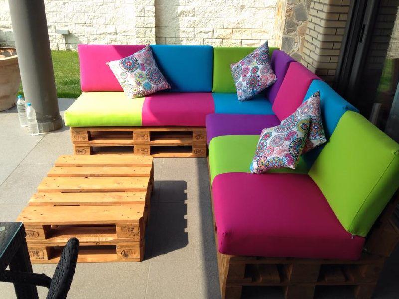 Si os ha gustado este sofá hecho con palets por favor comparte esta