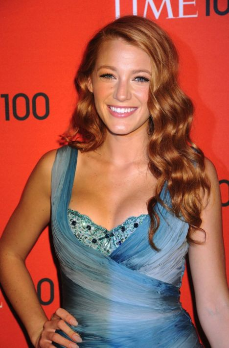 blake lively red dress gossip girl. Blake Lively New Colour