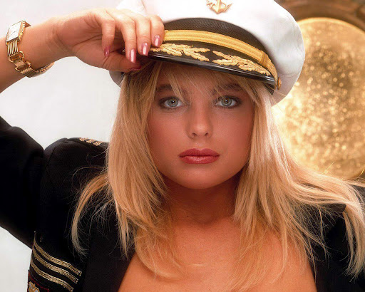 Erika Eleniak Boobpedia Encyclopedia Of Big Boobs
