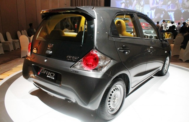 Harga Mobil Honda Brio Satya