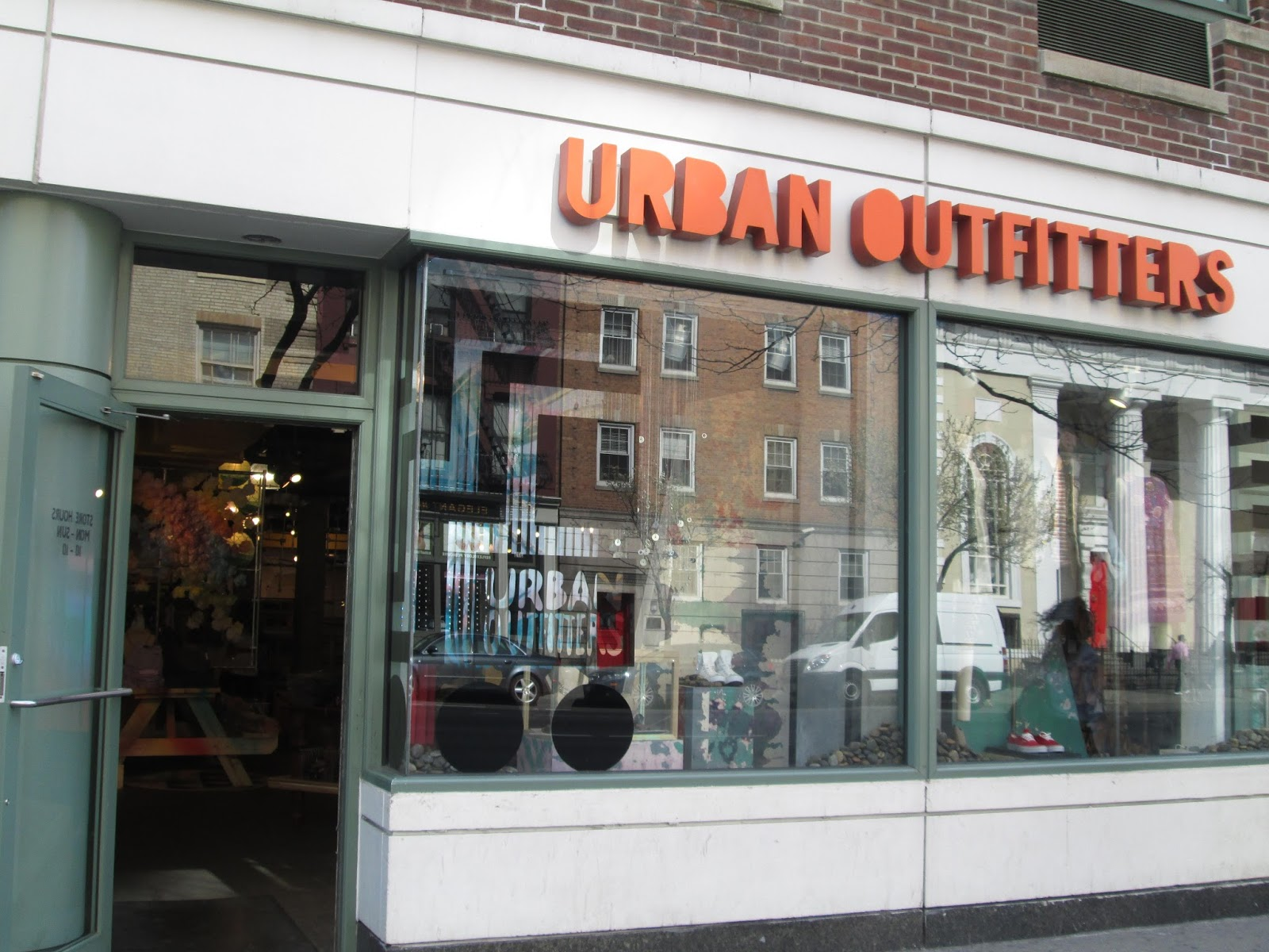 *Free shipping and returns** on orders over $ Urban Outfitters offers in-store picks ups. Order online, pick it up at your local store. Returns and exchanges will be eligible for a full refund within 30 days of shipment date.
