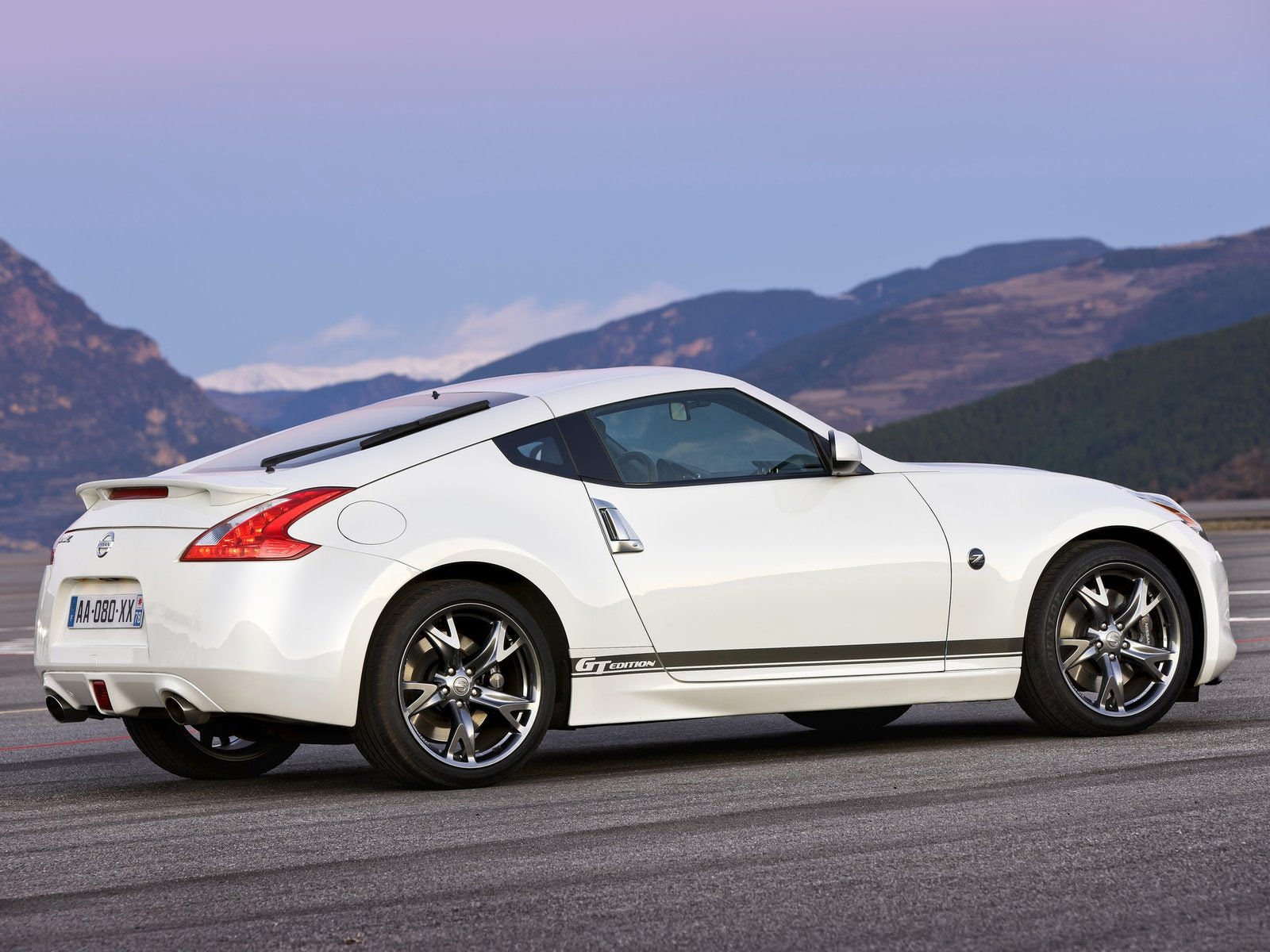 2011 nissan 370z gt edition wallpapers accident lawyers info. Black Bedroom Furniture Sets. Home Design Ideas