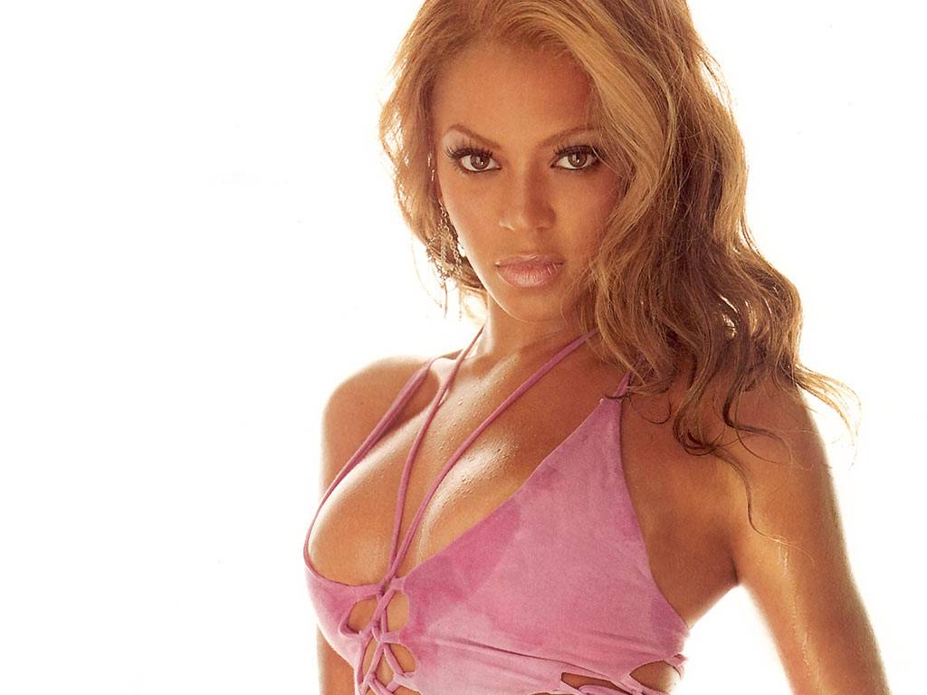 http://3.bp.blogspot.com/-4yggRNDG054/TxV6_5NUIsI/AAAAAAAABSk/L6zyIOugSzY/s1600/Beyonce-Knowles-New-Wallpapers.jpg