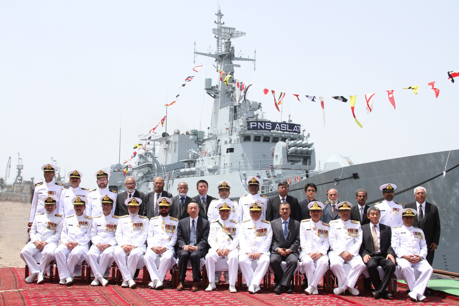 Pak Navy gets Chinese-built warship