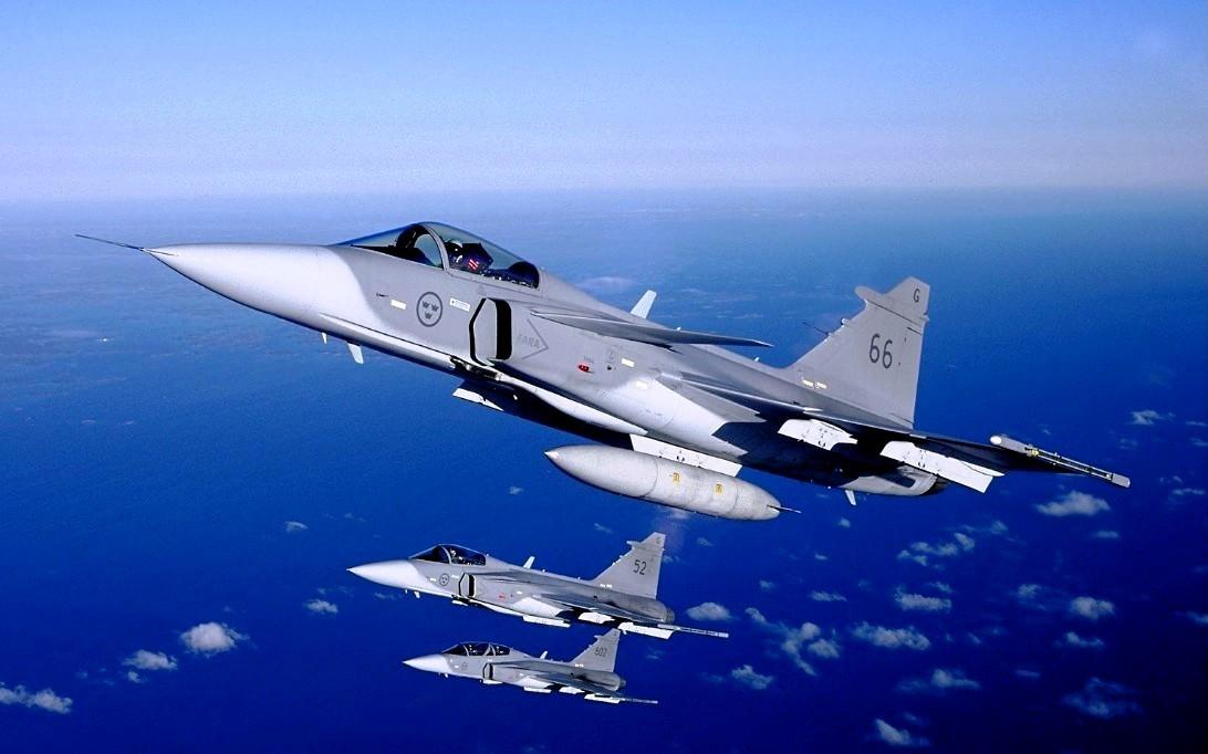 SAAB JAS 39 Gripen Jet Fighter Wallpaper 1