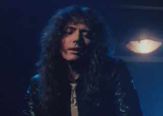 videos-musicales-de-los-90-whitesnake-here-i-go-again