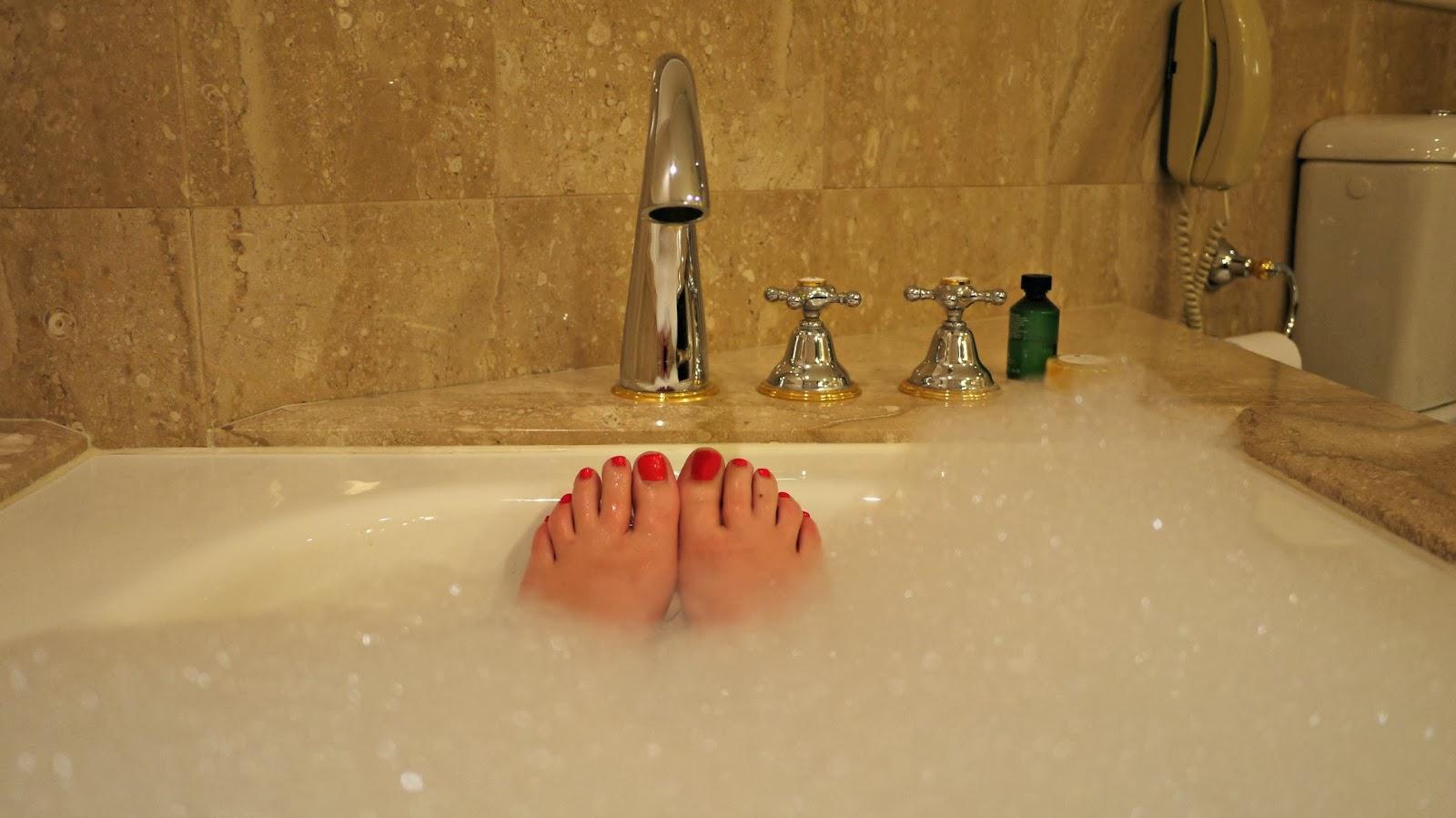 shangri la hotel sydney bathroom