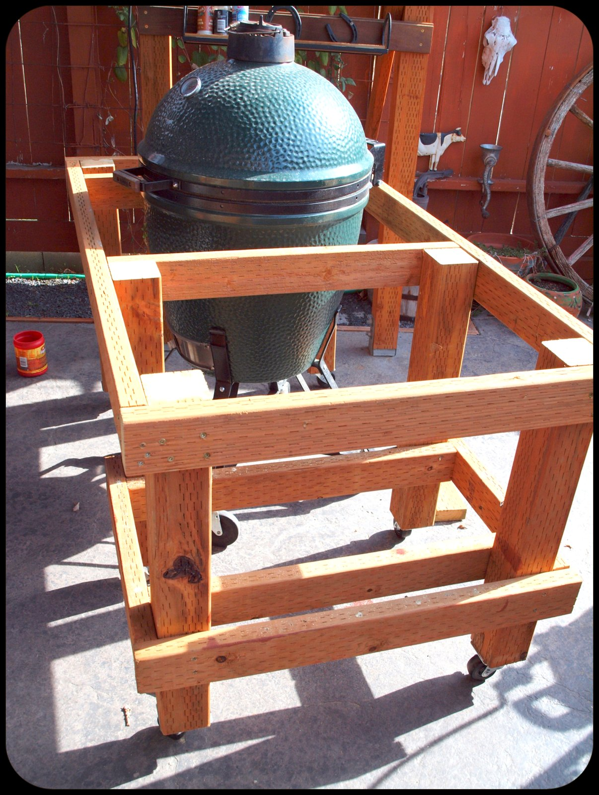 building a big green egg table