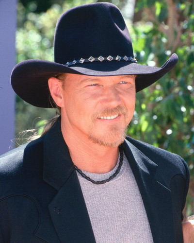 Jessica Jewett Online Blog: Trace Adkins to testify before ...
