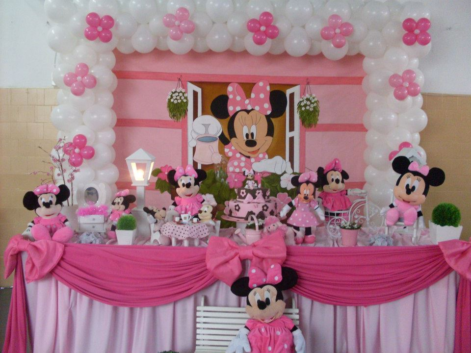 REALIZE FESTAS MINNIE ROSA E VERMELHA