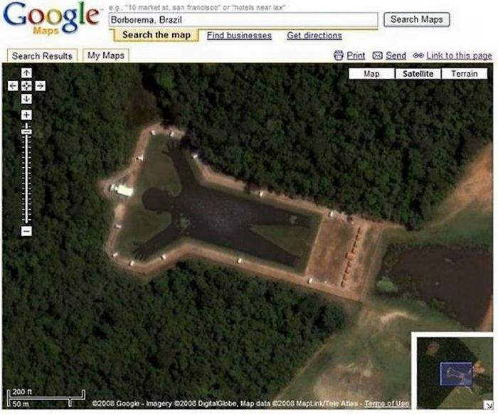 http://3.bp.blogspot.com/-4zl6zLhpitU/TjDTkXwLv0I/AAAAAAACSLw/P9x9bkB2rC8/s1600/Strangely_Shaped_Lakes_06.jpg