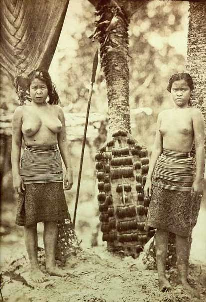 Dayak women from Borneo by Kristen Feilberg (1860s)