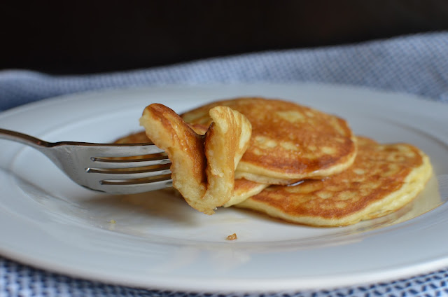 Playing with Flour: Sour cream pancakes