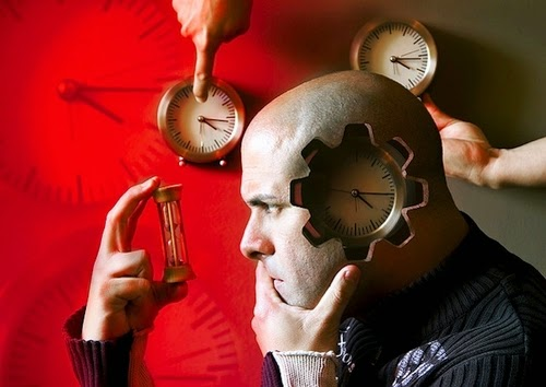 05-Time-Surreal-Self-Portrait-Artist-Manu-Pombrol-www-designstack-co