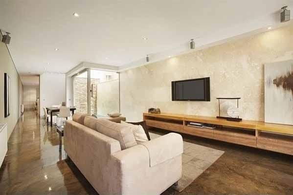 ruangan tengah dengan televisi sofa, design alsoCAN