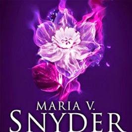 Le Pouvoir des Lys, tome 3 : Puissante de Maria V. Snyder