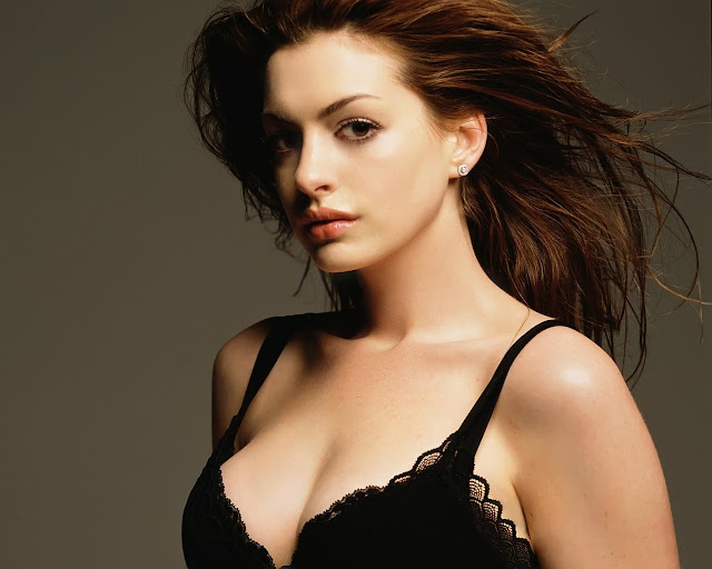 anne_hathaway_sexy_girl_wallpapers_26523032564231661
