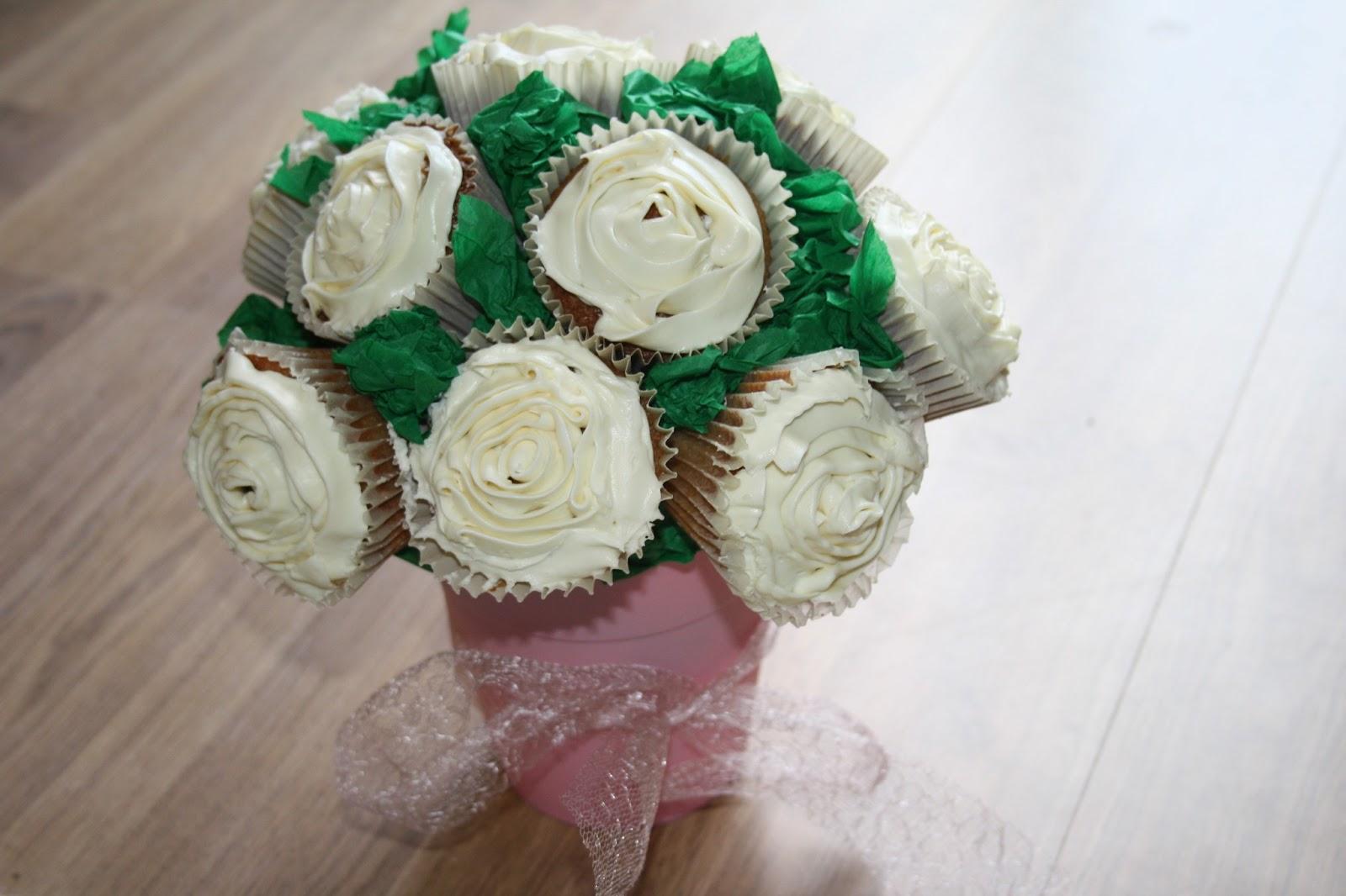 Caroline Makes How To Make A Cupcake Bouquet For A Wedding