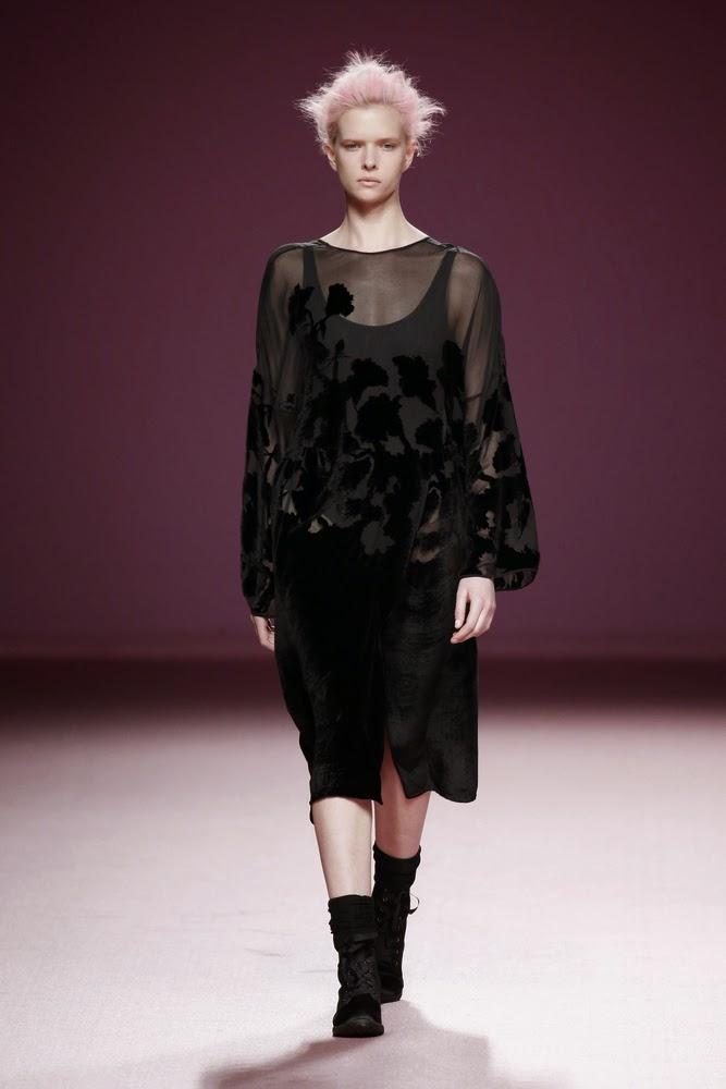 vestido negro juan vidal