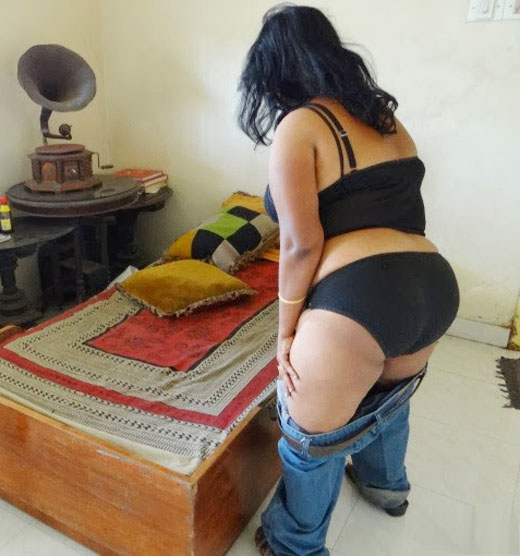 Desi Girl Remove Jeans Shows Fat Ass