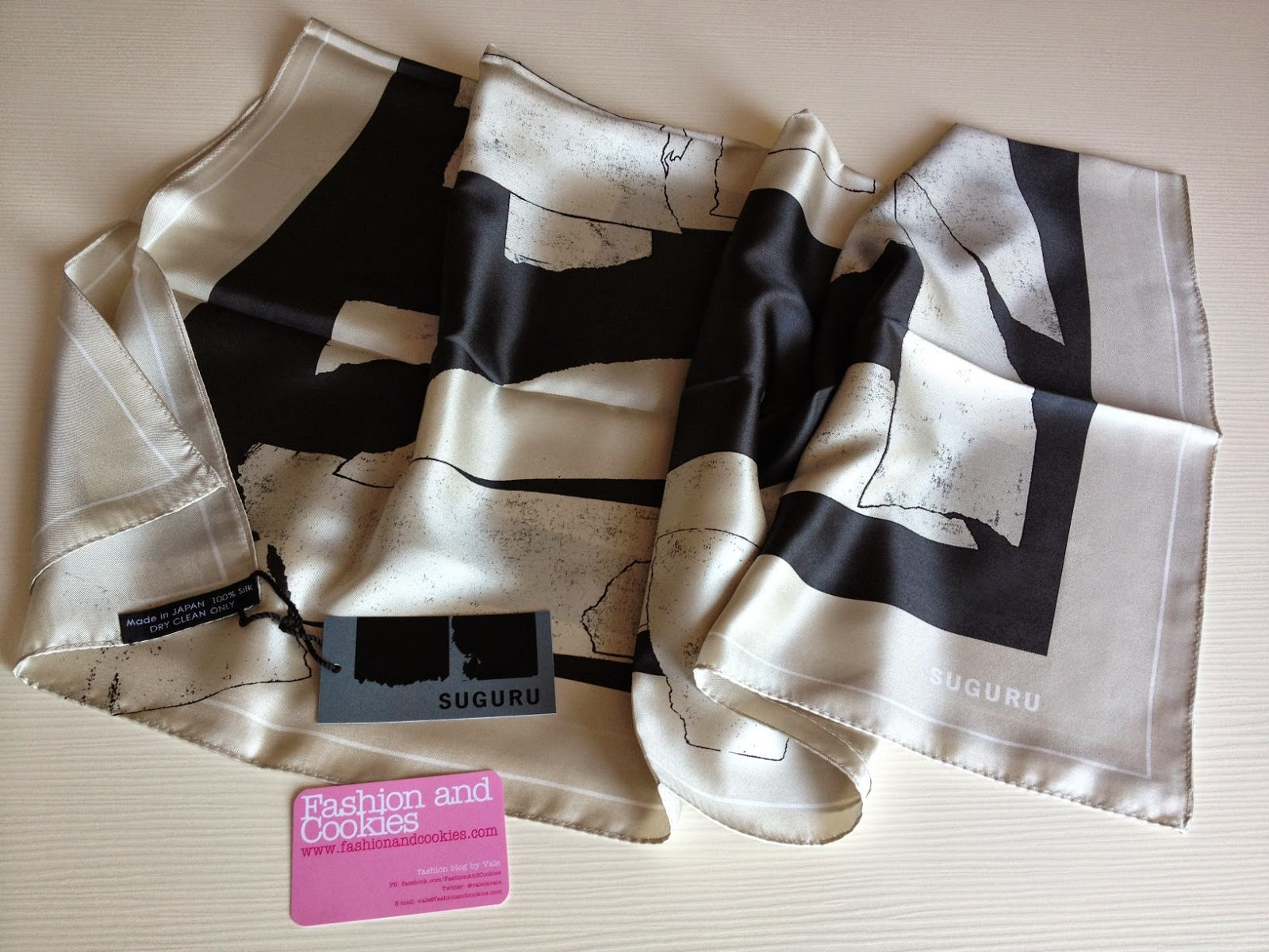 Suguru silk scarf, Fashion and Cookies, fashion blogger