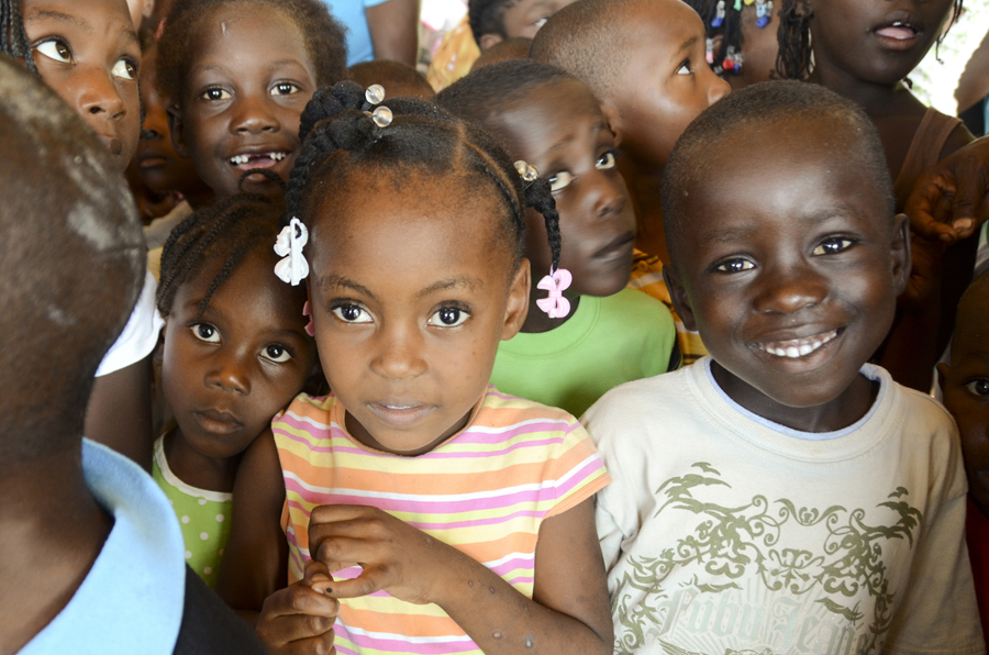 A Lady In Haiti Beautiful People Beautiful Places