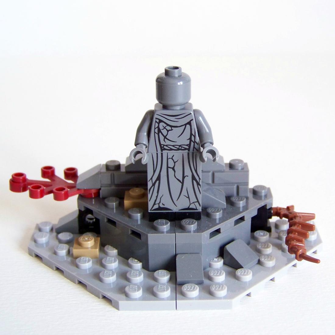 LEGO statue Dol Guldur Battle 79104