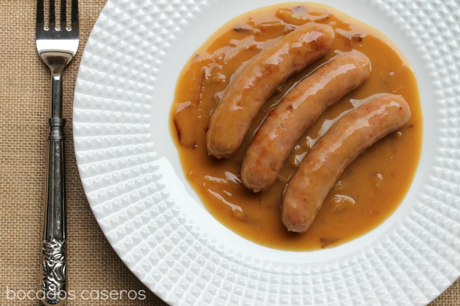Bocados caseros salchichas en salsa al vino - Salchichas frescas en salsa ...