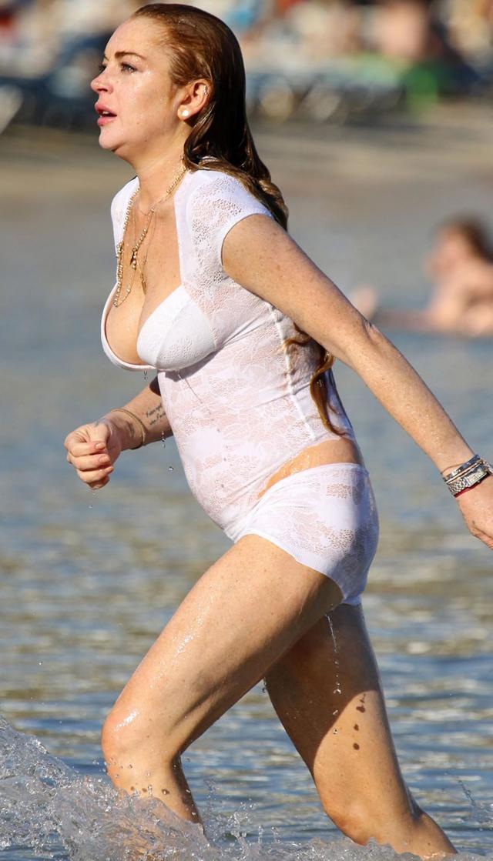 Lindsay Lohan en ropa de baño