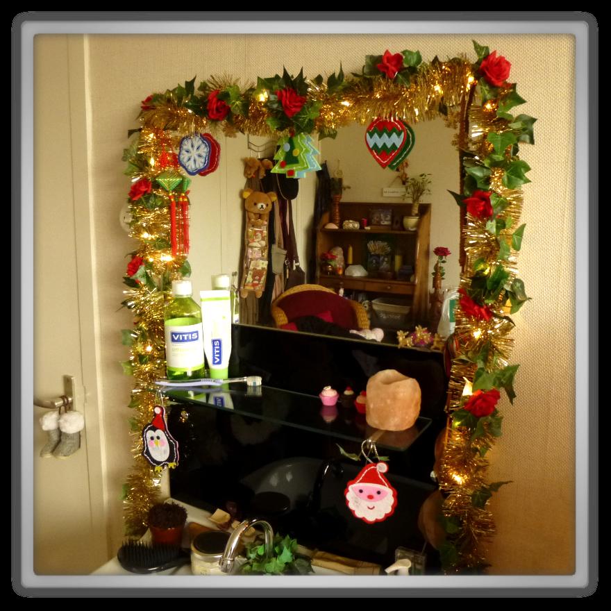 Marjolein Kucmer De kerst versiering in huis # Wasbak Spiegel_194739