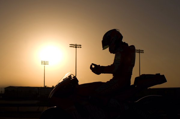 MotoGP 2016 : Menempati posisi sebagai test rider dan brand ambassador Ducati . . Casey Stoner resmi bergabung lagi !