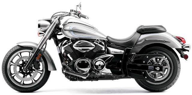 2012-Yamaha-V-Star-950-Liquid-Silver
